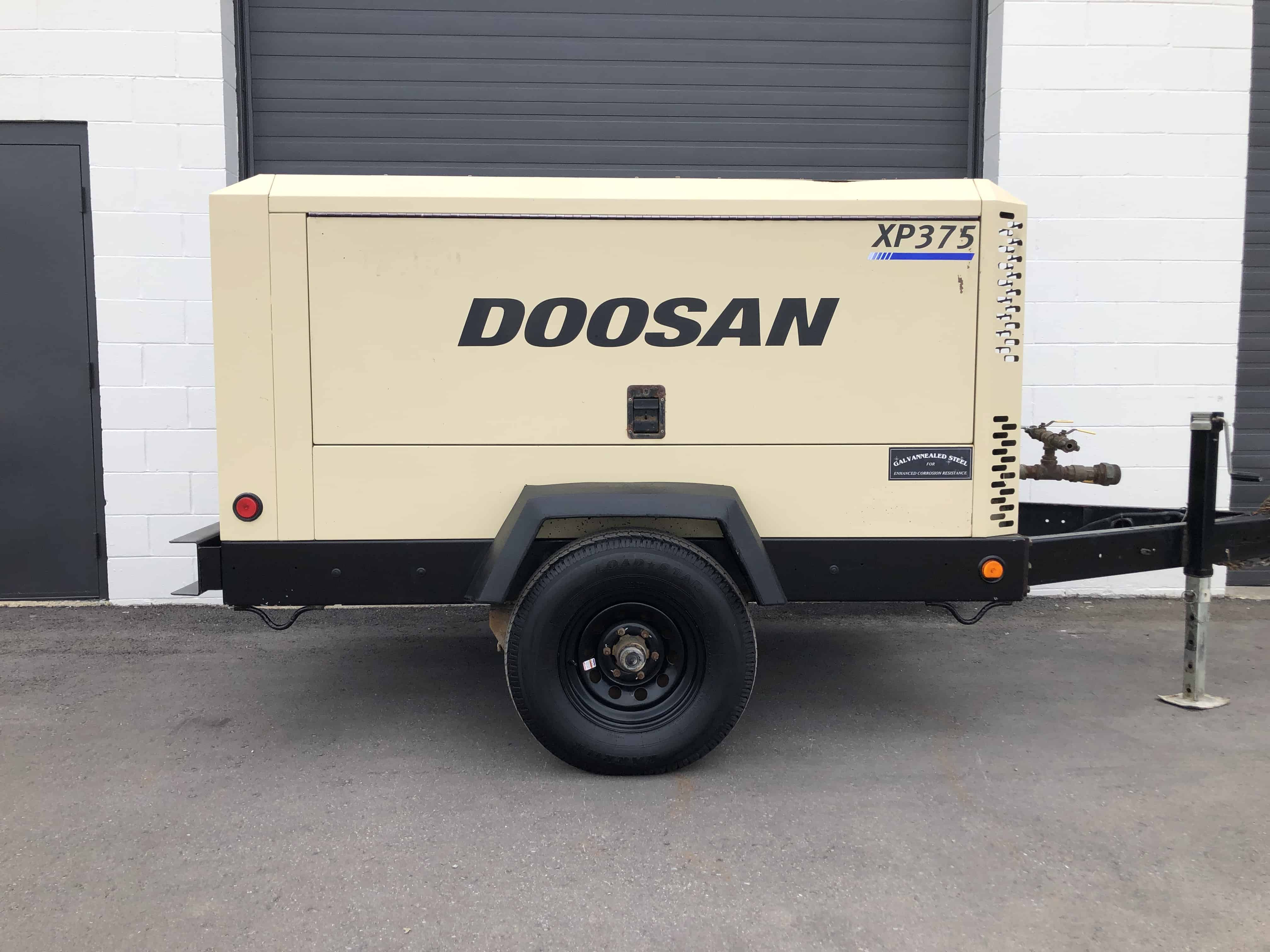 Doosan 375 diesel air compressor for sale - Towable Tools
