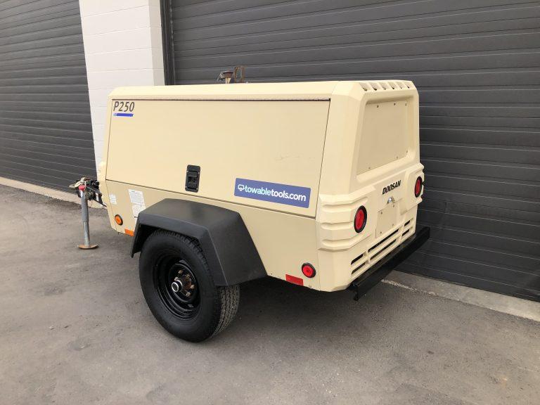 250 CFM air compressor for sale diesel Doosan portable - Saskatoon, Regina SK